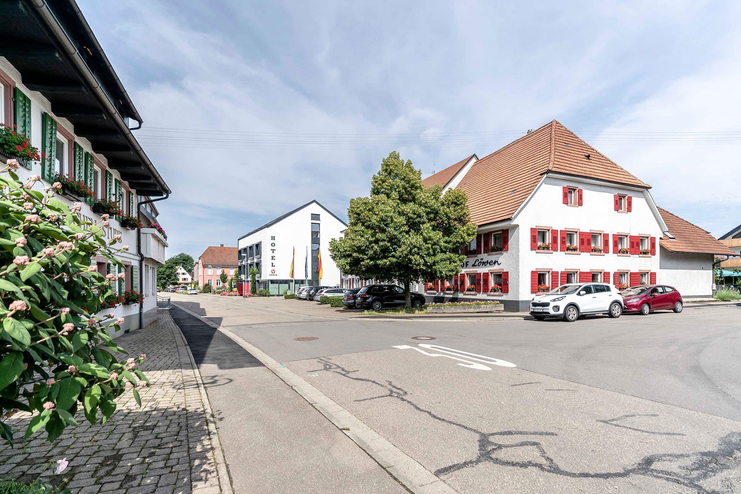 Hotel Gasthaus Loewen Buchholz Gebaeude